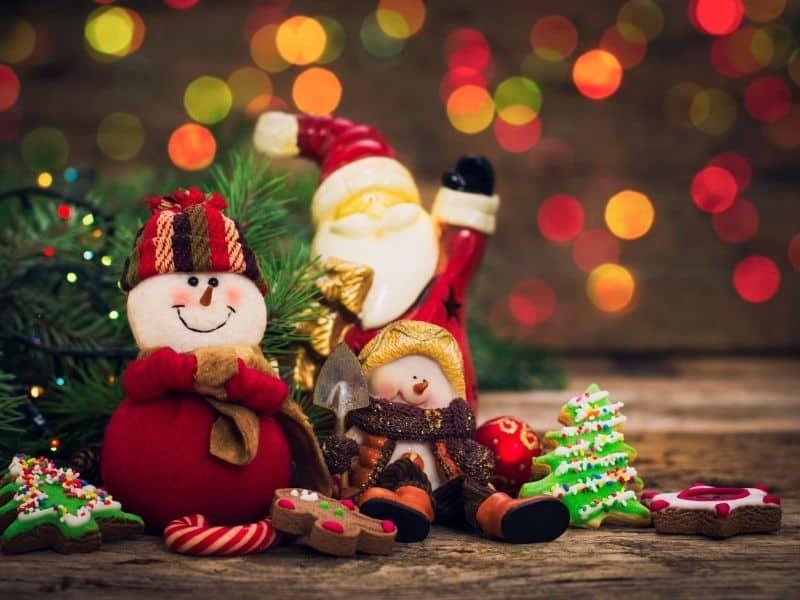 155 FUNNY Christmas Jokes To Keep You Laughing All Season!